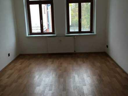 Schöne 3-Raum-Wohnung mit Einbauküche