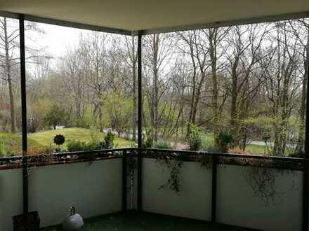 2,5-Zimmer-Wohnung mit großer Loggia, Top- EBK direkt am Wöhrdersee