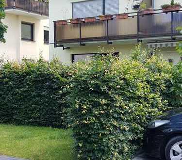 Vollständig renovierte 2-Zimmer-Wohnung mit Balkon in Lind, Köln