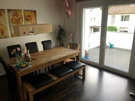Stilvolle, 3-Zimmer-Wohnung mit Balkon in energetisch saniertem Haus