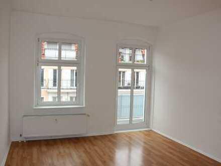 Helle große 3-Zimmerwohnung in Friedrichshain mit Balkon !