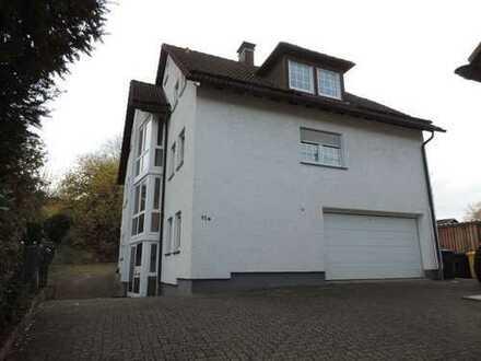 Siegen: großzügig geschnittene 1-Zimmer-Wohnung mit Einbauküche und praktischer Abstellkammer!