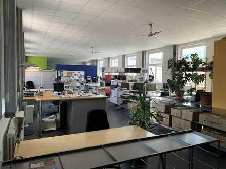 Büro oder Atelier - auch in Kombination mit Loft Wohnung denkbar