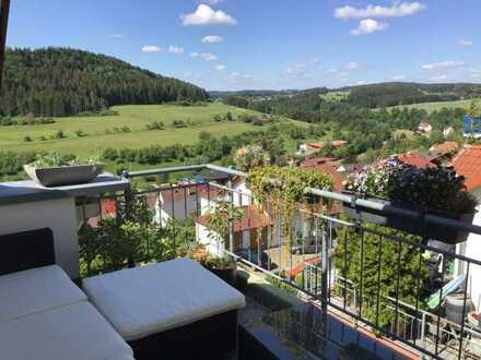 Gepflegte Wohnung mit drei Zimmern sowie Balkon und schönem Ausblick