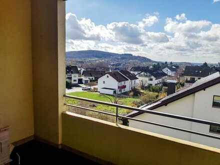 Kapitalanleger: 4-Zimmer Wohnglück mit Balkon im schönen Schweinheim. Lebens(t)räume werden wahr ...