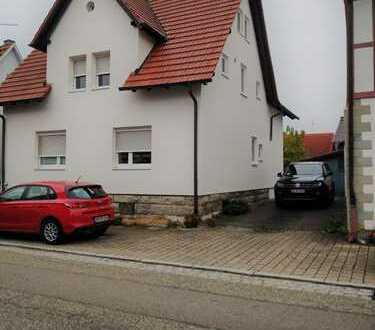 Ansprechende 3-Zimmer-Erdgeschosswohnung mit Balkon und Einbauküche in Sachsenheim-Ochsenbach