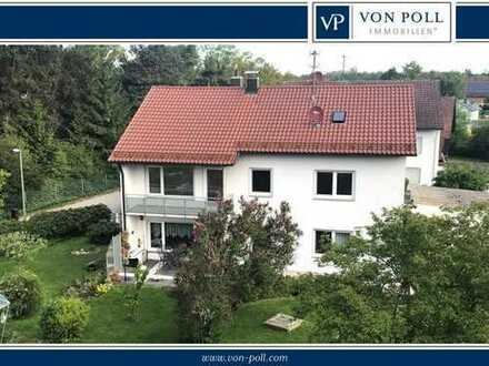 Illertissen: Schönes, gepflegtes 2-Familienhaus mit großem Garten in Ortsrandlage