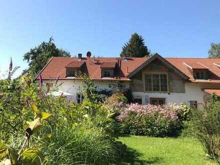 Hochwertige, möblierte kleine Villa auf herrlichem Sonnengrundstück