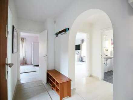 Möblierte und sanierte 3-Zimmer-Wohnung mit Einbauküche in Fleestedt, Ruhige Lage in Sackgasse