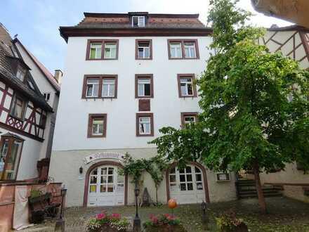"""Traditionsrestaurant """"Altes Rentamt"""" mit Biergarten und Gewölbekeller auch für Ladenfläche"""