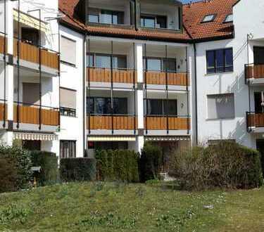 Sehr schöne 3-Zimmerwohnung mit Balkon und Küche, renoviert, Kreis München (Neukeferloh)