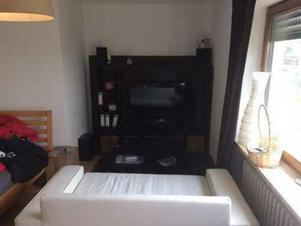 Stilvolle 1-Zimmer-Erdgeschosswohnung mit Balkon und Einbauküche in Buxheim