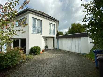 Schönes, geräumiges Doppelhaus mit vier Zimmern in Osnabrück, Voxtrup