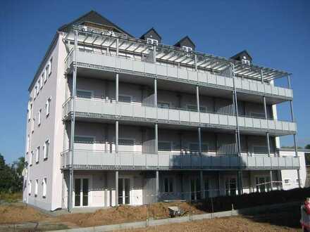 Attraktive, hochwertige 2-Raum Wohnung mit Dachterrasse und Lift in Leukersdorf