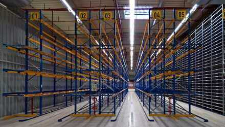 **repräsentatives Industrieanwesen Produktion Logistik Büro nördlich von Berlin direkt an der A10**