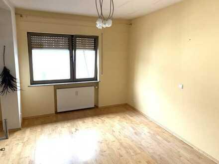 Großzügige 2-Zimmerwohnung mit Kaminofen und Balkon