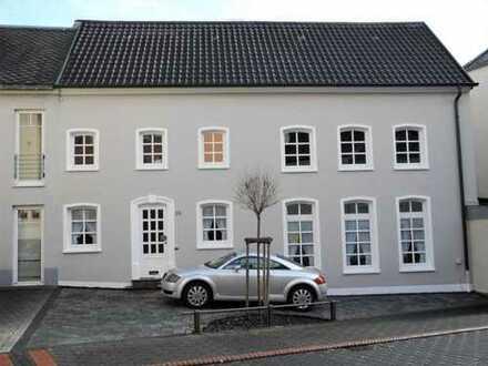Renoviertes Familienhaus mit viel Platz in zentraler Stadtlage!