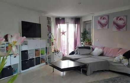 Gepflegte 2,5-Zimmer-DG-Wohnung mit Balkon und Einbauküche in Ludwigsburg