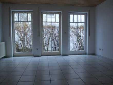 Rottenburg: 2 Zimmerwohnung mit Garten, Terrasse und Einbauküche