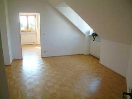 Gemütliche, helle 2-Zimmer DG Wohnung in Markt Schwaben