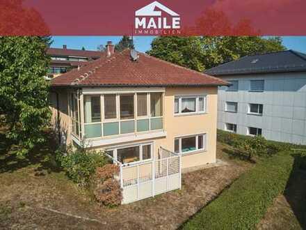 Sonniges, repräsentatives 1-2 Familienhaus mit Garten