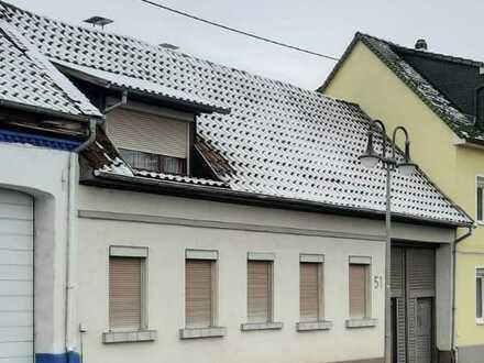 Sanierungsbedürftiges Einfamilienhaus mit großem Potential in Sprendlingen, Rheinhessen