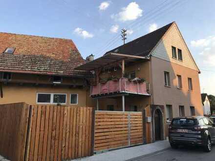 Einfamilienhaus mit Einliegerwohnung und großzügigen Atelier