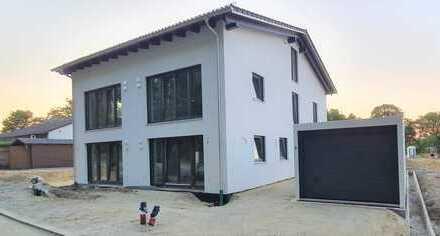*Neubau* Moderne DHH mit Blick auf den Echinger Stausee