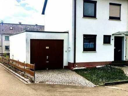 Renoviertes Reiheneckhaus mit großem Garten und einer einzel Garage
