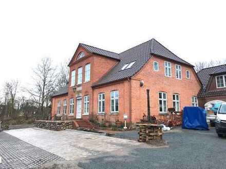 """Einzigartiges Wohnen im historischen Herrenhaus """"Carolinenhof"""""""