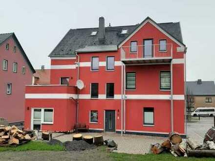 Großzügige Wohnung mit Dachterrasse & Kamin