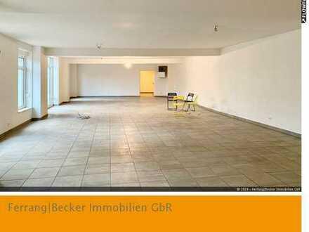 AB SOFORT bezugsfrei: Nähe Vaalser Quartier: ca. 210 m² Ladenlokal/Büro - 9 Kundenparkplätze