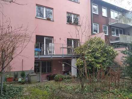 Sehr schöne sanierte 3-Zimmer-Wohnung mit Garten-Terrasse
