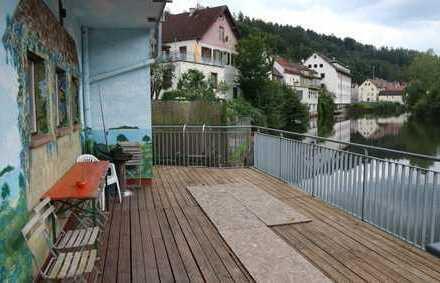 Schönes großes Appartment für ca.8 Personen, möbiliert mit Terrasse und Stellplatz in Calw,WM:2.650€