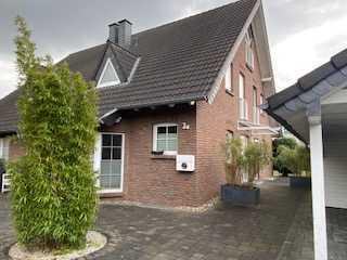 Provisionsfreie, wunderschöne Doppelhaushälfte mit großem Grundstück in Forsbach, 155 + 35m²