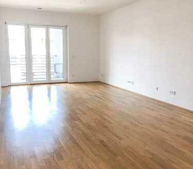 Schöne 4-Zimmer-Wohnung in Au-Haidhausen mit 2 Balkone und Einbauküche
