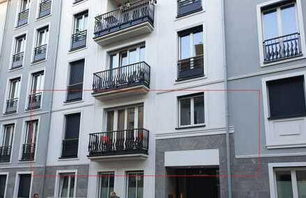 Elitäre, stilvolle 2-Zimmer Wohnung der Luxusklasse mit Balkon u. EBK