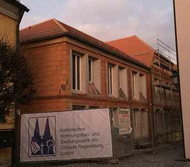 Tirschenreuth-Innenstadt . 2 Zi-Neubau-DG-Wohnung für ältere Menschen