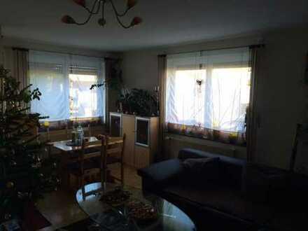 Schöne 72m² Wohnung (3 Zimmer, Küche, Bad) in guter Lage