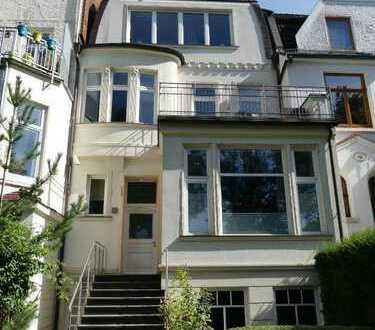 Hochwertige Zwei-Zimmer-Gartengeschoss-Wohnung mit Kamin und EBK im Peterswerder