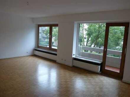 Freundliche 3-Zi-Wohnung im Grünen, Düsseldorf-Niederkassel, 114 qm, Bad neu, 2 Balkone, Sept. frei