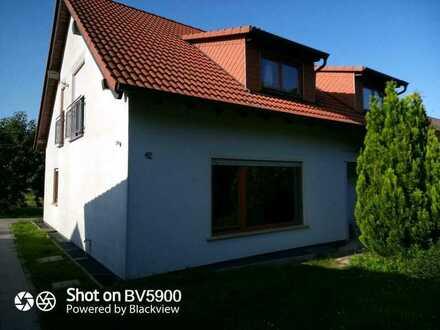 4 Zimmer EG Wohnung 100qm im 2 Familienhaus, Garage, Gartenanteil, Erstbezug nach Sanierung