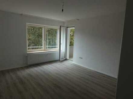 Erstbezug nach Sanierung !+++ 3 Zimmer im Erdgeschoss mit BALKON +++ NEU RENOVIERT