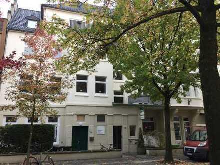 Schöne helle 2 - Zimmer Wohnung mit Balkon im beliebten Kaiserstraßenviertel