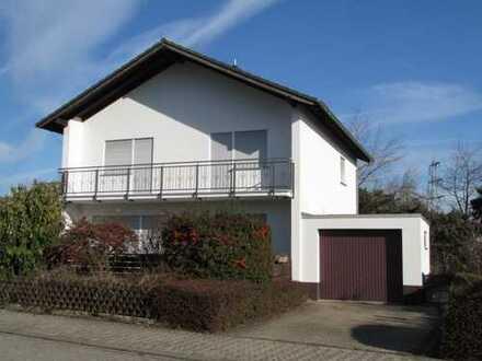 Ruhige und angenehme Wohnlage, freistehendes EFH in Bad Kreuznach-Winzenheim zu vermieten!