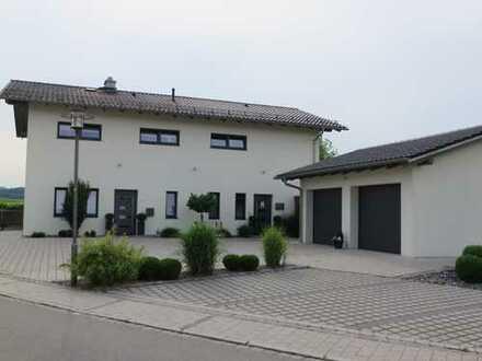 Arbeiten und wohnen in einem ! Top-Wohnhaus mit Praxis zu vermieten