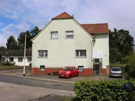 Zweifamilienhaus mit 5-einhalb Zimmern und großem Grundstück in Saarpfalz-Kreis, Bexbach