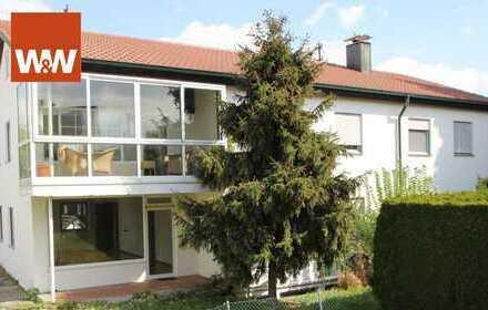 Modernisierte, stilvolle 4,5-Zimmer Wohnung mit Wintergarten, ausbaufähiges Dachgeschoss und Garage
