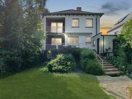 Einfamilienhaus (sanierungsbedürftig) mit sehr großem Garten und Garage in absolut ruhiger Lage
