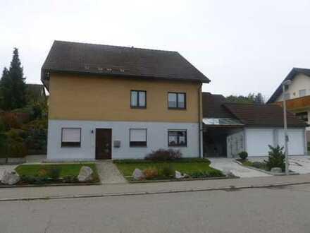 Gemütliche 2,5 Zimmer Wohnung mit Einbauküche und vielen Extras in Villingen.